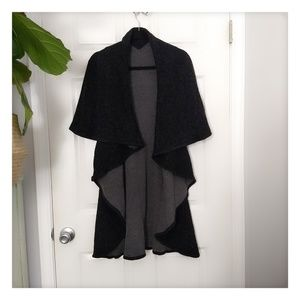 One Size Reversible Statement Cape